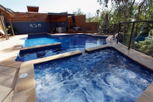 3D block pool with spa on